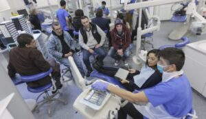 dental-students-help-salvation-army